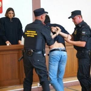 Судебный пристав превысил свои права или не исполнил обязанности