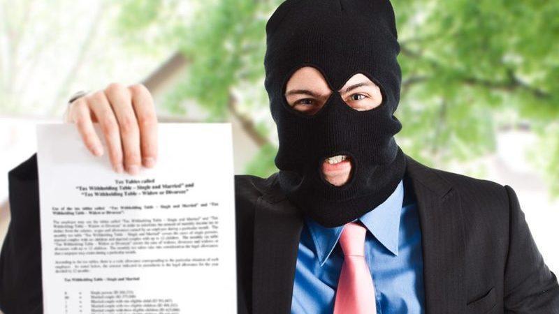 В каком случае коллекторы могут подать в суд на должника
