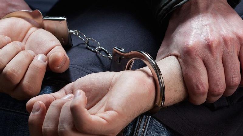 Сопротивление и нападение на полицейского при задержании