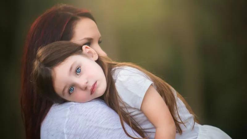 Может ли одинокая женщина усыновить ребнка