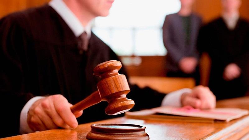 Кто является участниками судебных заседаний и каковы их обязанности в уголовных процессах