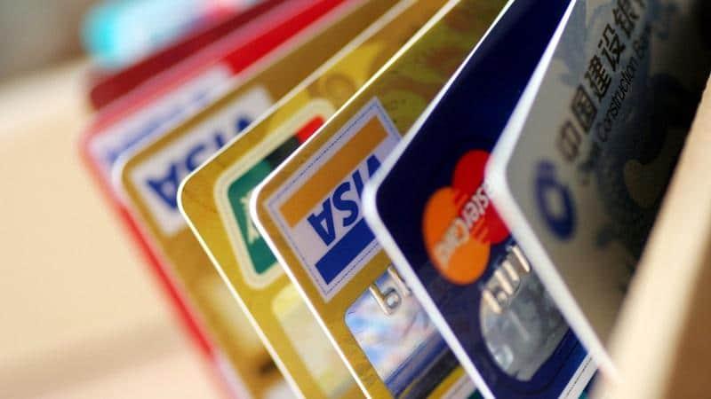 Кого наказывают за неправомерный оборот средств платежей