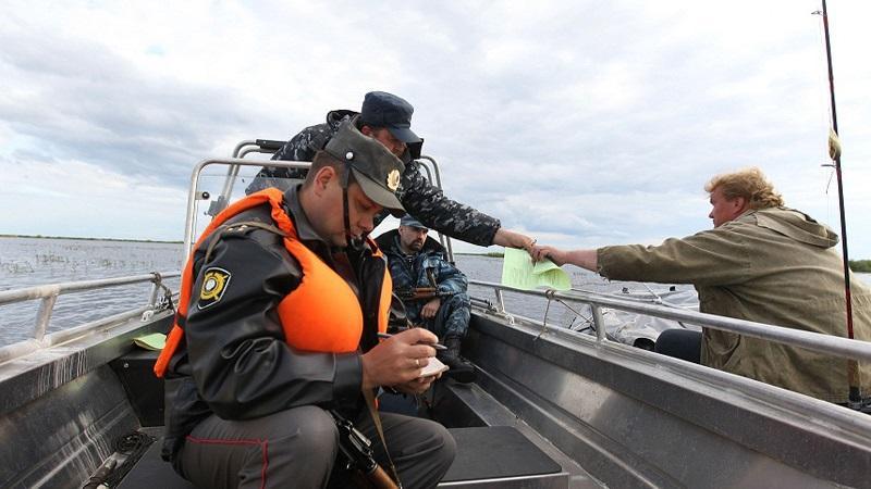 Как наказывают за браконьерство по статье 256 УК РФ - незаконная добыча водных ресурсов