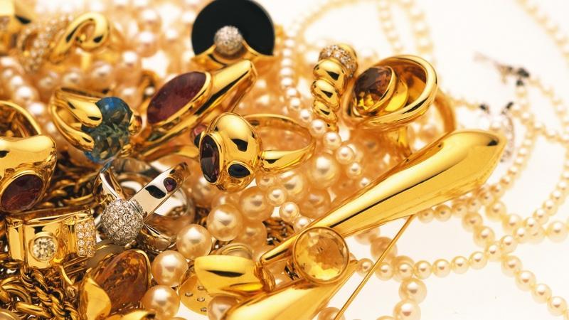 Статья 192 УК РФ - Нарушение правил сдачи драгоценных металлов и камней государству