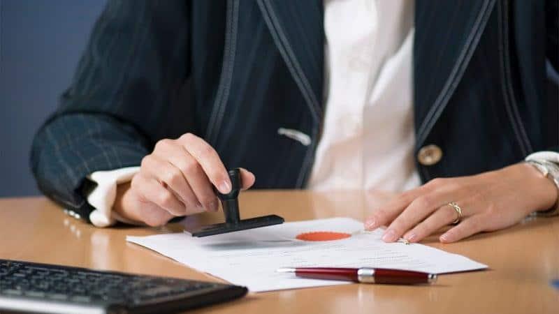 Как оформить договор дарения в МФЦ без нотариуса