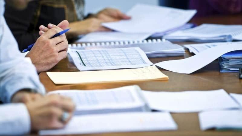 Как проходит таможенное оформление ювелирных изделий: этапы процедуры и правила её проведения