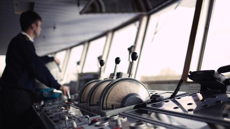 Нарушение правил кораблевождения по ст 352 УК РФ: кого касается и какова ответственность