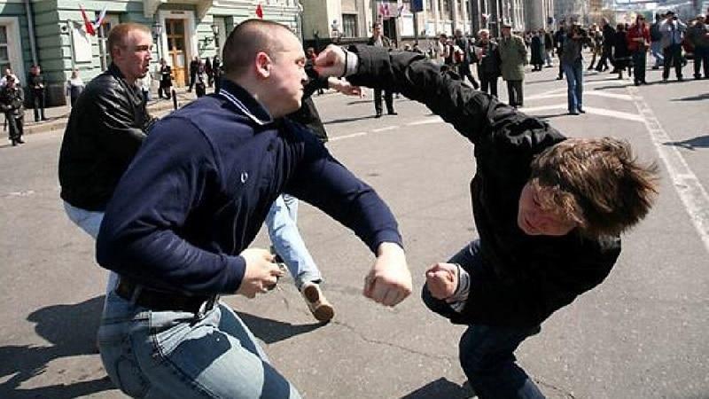 УК РФ: статья за избиение человека, наказание и срок. Статья за избиение несовершеннолетнего
