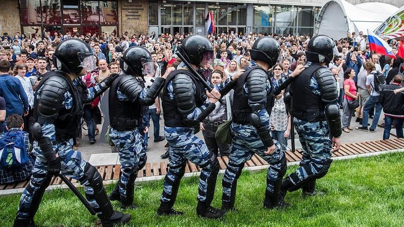 Ответственность за нарушение установленного порядка организации или проведения митингов