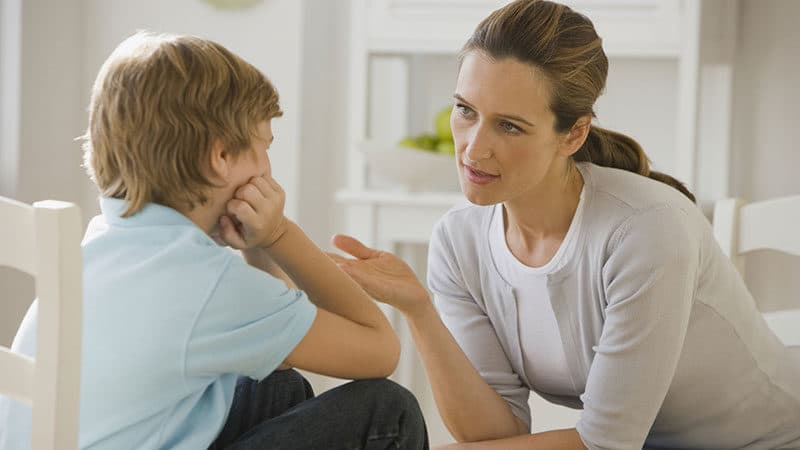 Условия общения ребенка с родителем, права которого ограничены судом